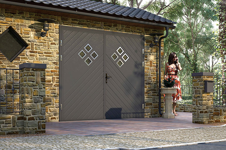 diamond-windows-garage-door