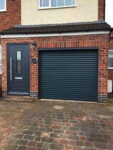View of House - Endurance door - Alto & Alluguard Roller door - Anthracite grey