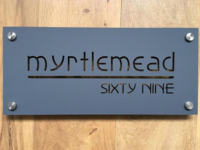 Myrtlemead - House signs