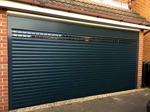 Alluguard 77 - Roller door with vision laths - Anthracite Grey