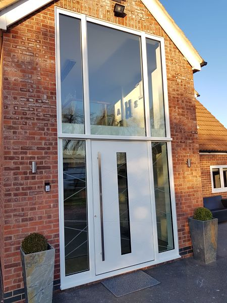 RK4110 - Bespoke design with curtain walling system - White